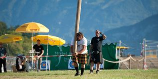 tossing-the-caber-2